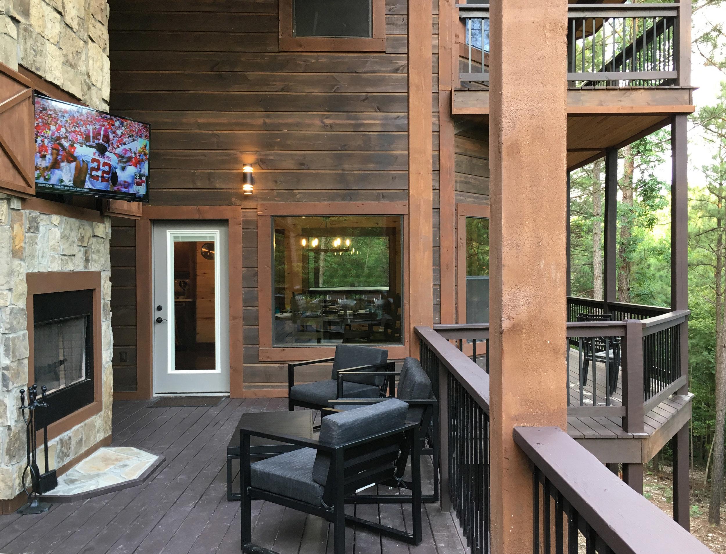 Rustic Mountain Lodge Cabin - Back Deck.jpg