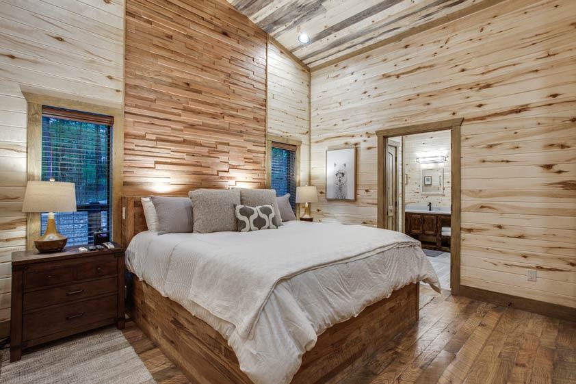 Rustic Hollow Cabin | King Bedroom Master Suite #1