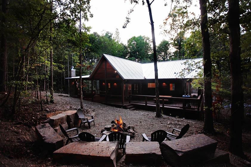 Rustic Retreat   Outdoor Fire Pit