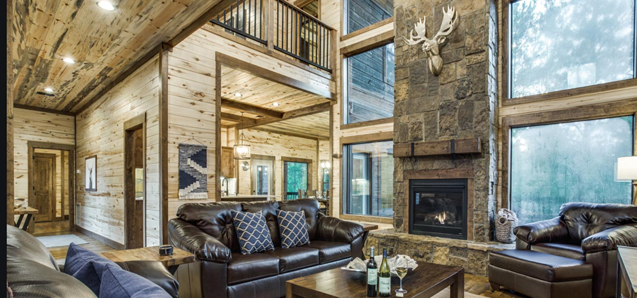 Rustic Mountain Lodge | Living Room