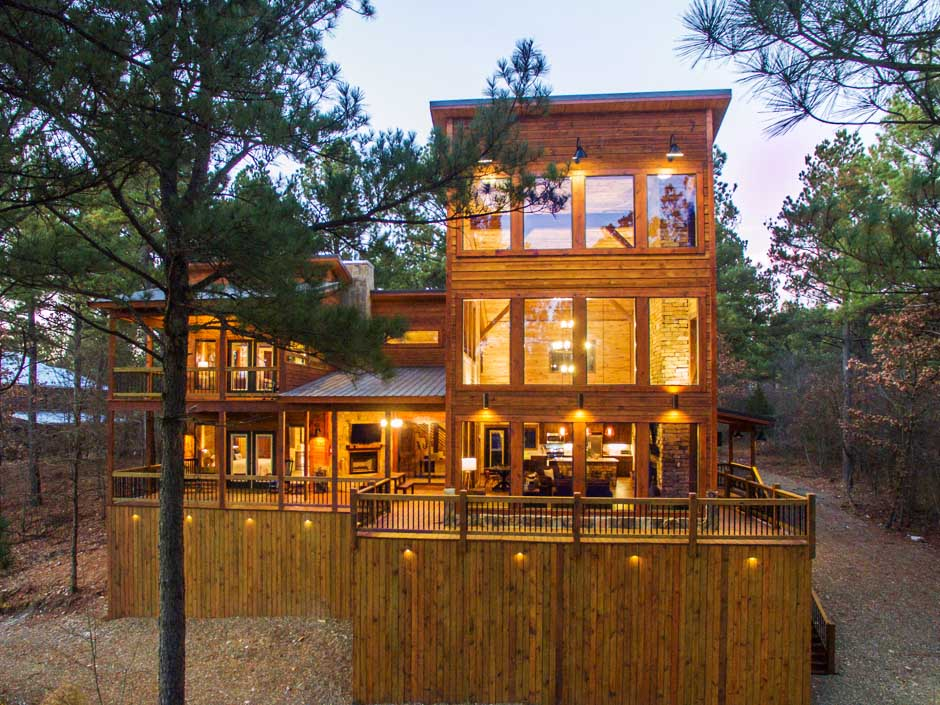 Rustic Heights - Front of Cabin (BBVC) .jpg
