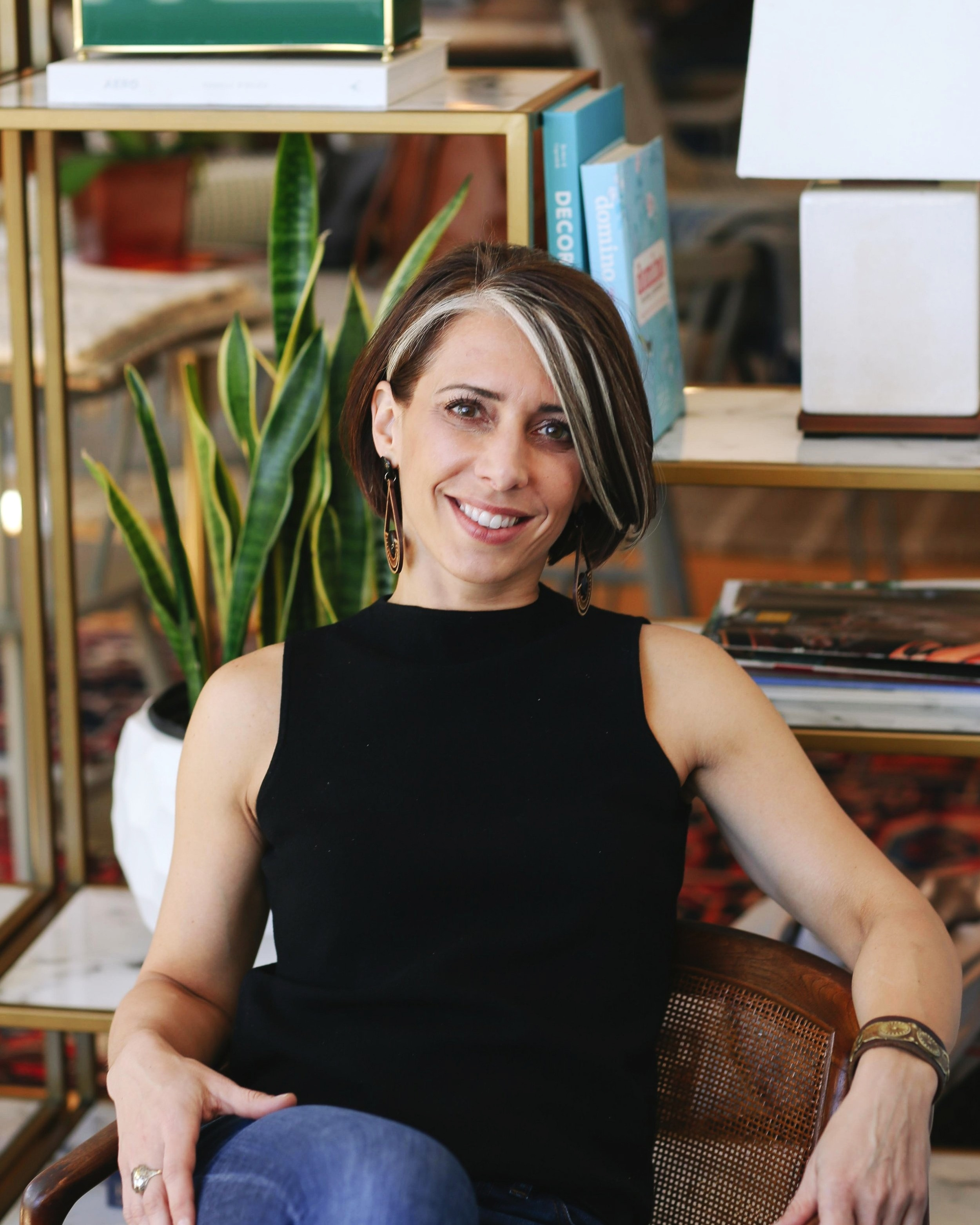Stevie McFadden - Stevie has spent most of her career crusading for better workplaces. After completing her graduate studies in Organizational Development, she held various HR, Leadership and Consulting roles, all focused on helping organizations optimize their talent and culture. Her love of design fueled the launch of a small business focused on residential interiors, initially as a side-hustle in 2014. Stevie passionately believes that the physical environment and cultural environment are deeply connected and recognized an opportunity to marry her love of great design and her organizational behavior expertise to create transformative workplaces with the launch of Flourish.