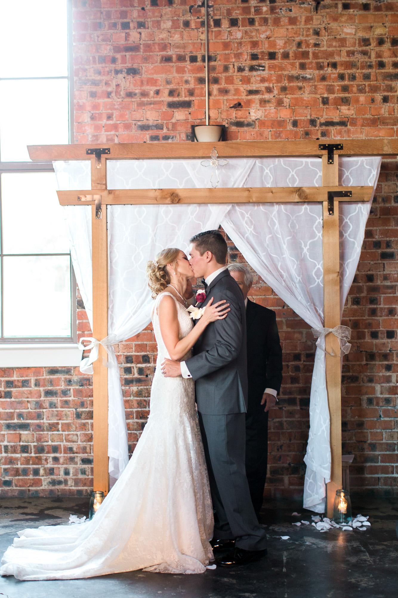 0e336-downtown-bryan-weddingdowntown-bryan-wedding.jpg