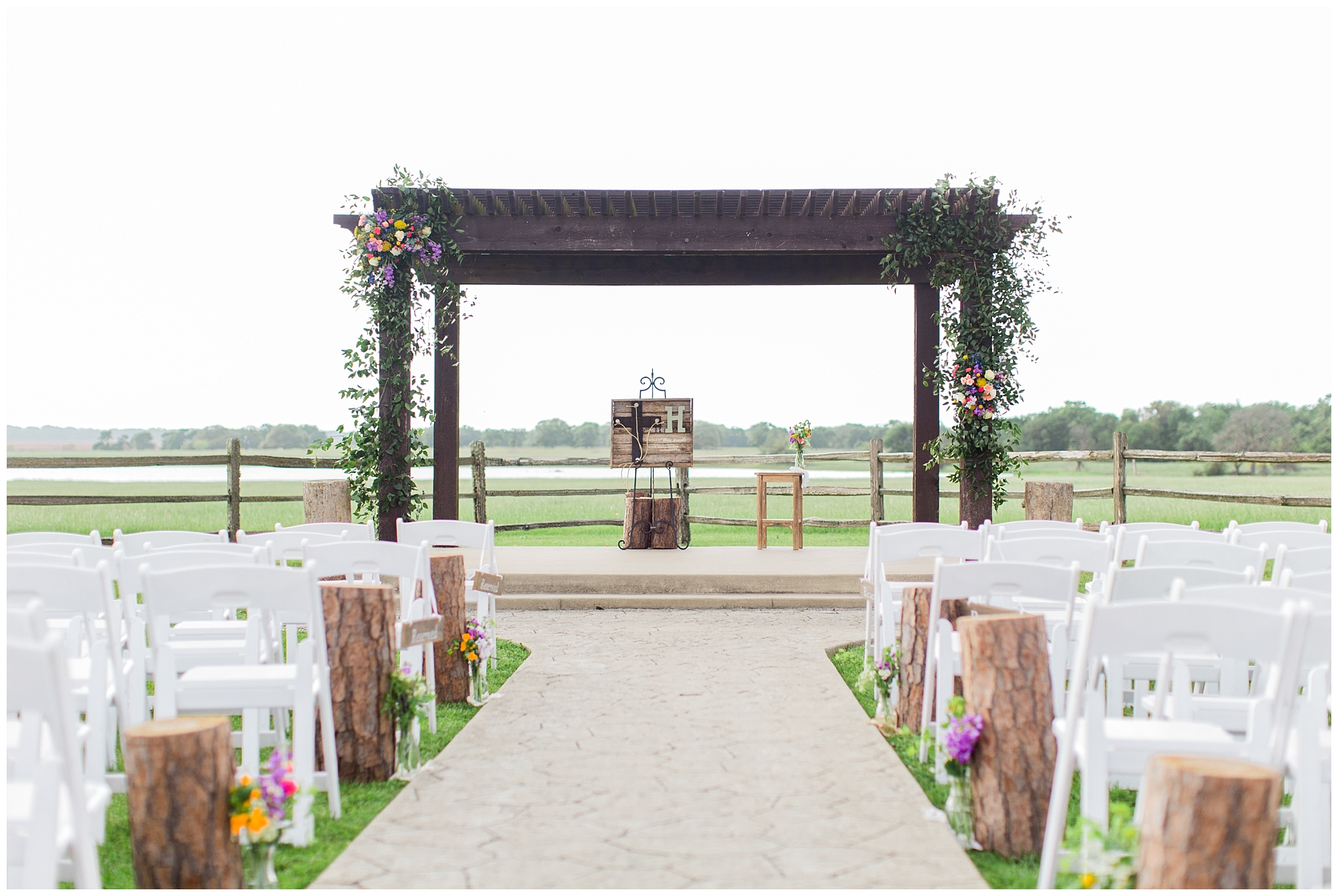 Moore_Ranch_on_the_Brazos_Wedding_0015.jpg
