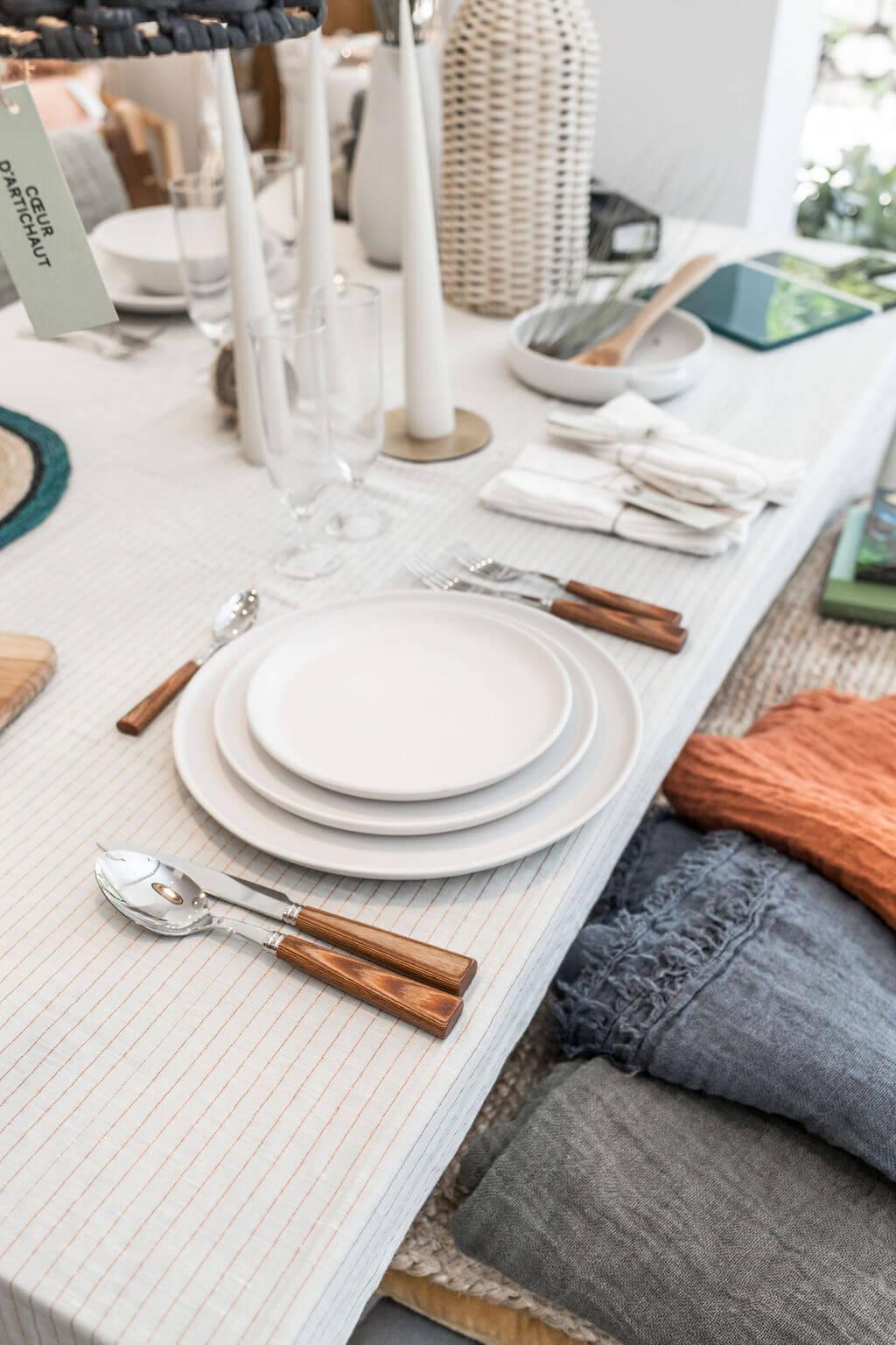 table manger vaisselle ceramique couvert sabre.jpg