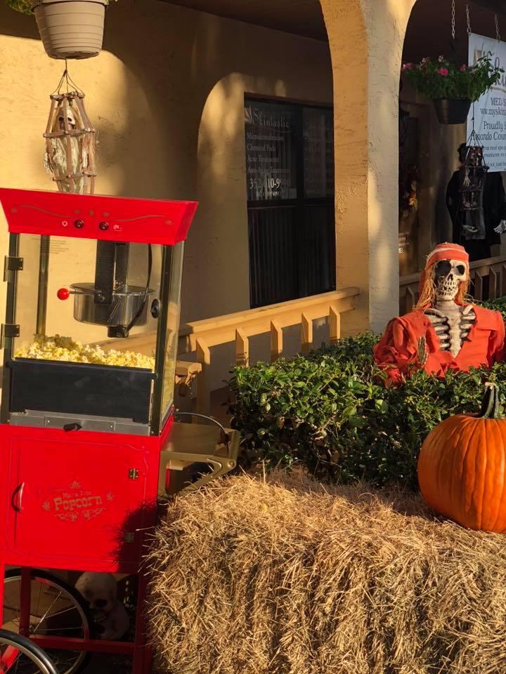 Halloween Bash: Skintastic has fun 38