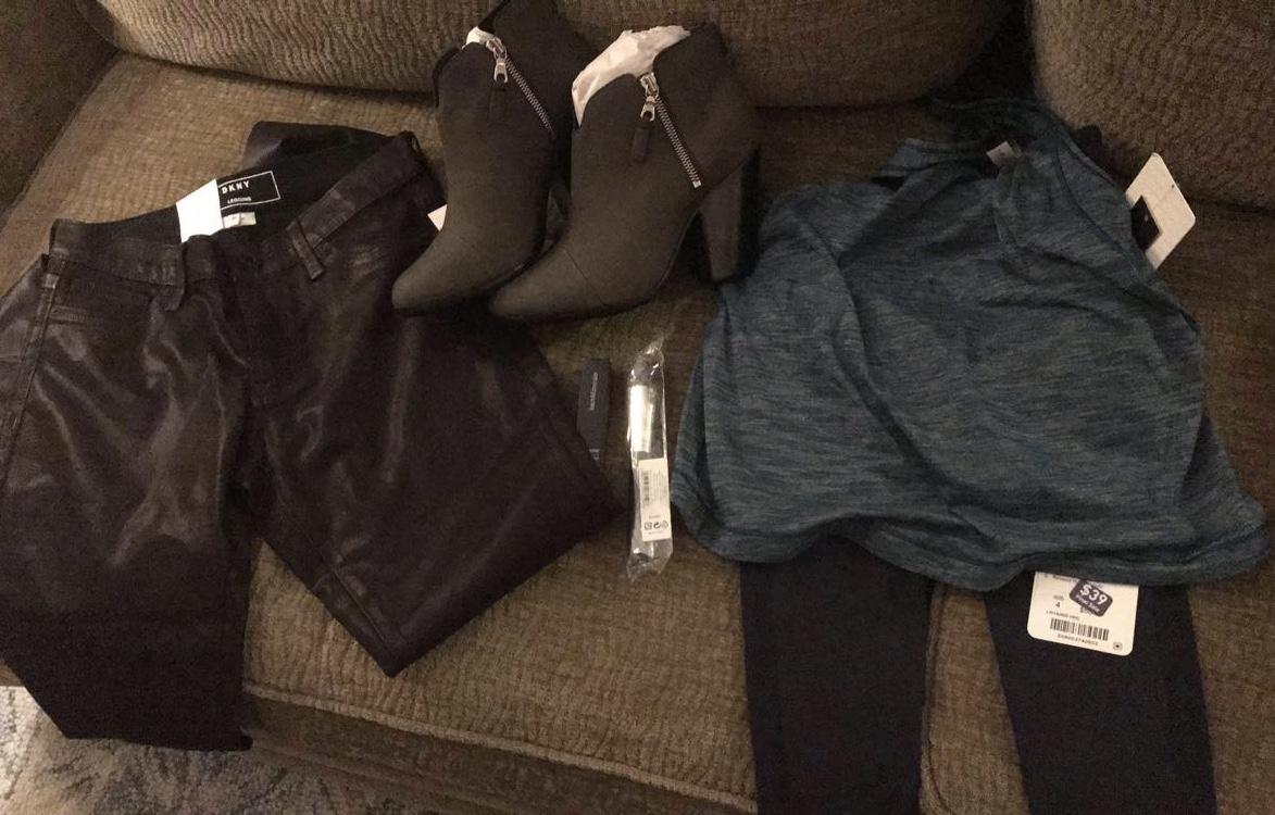 shoes / pants / shirt / yoga pants