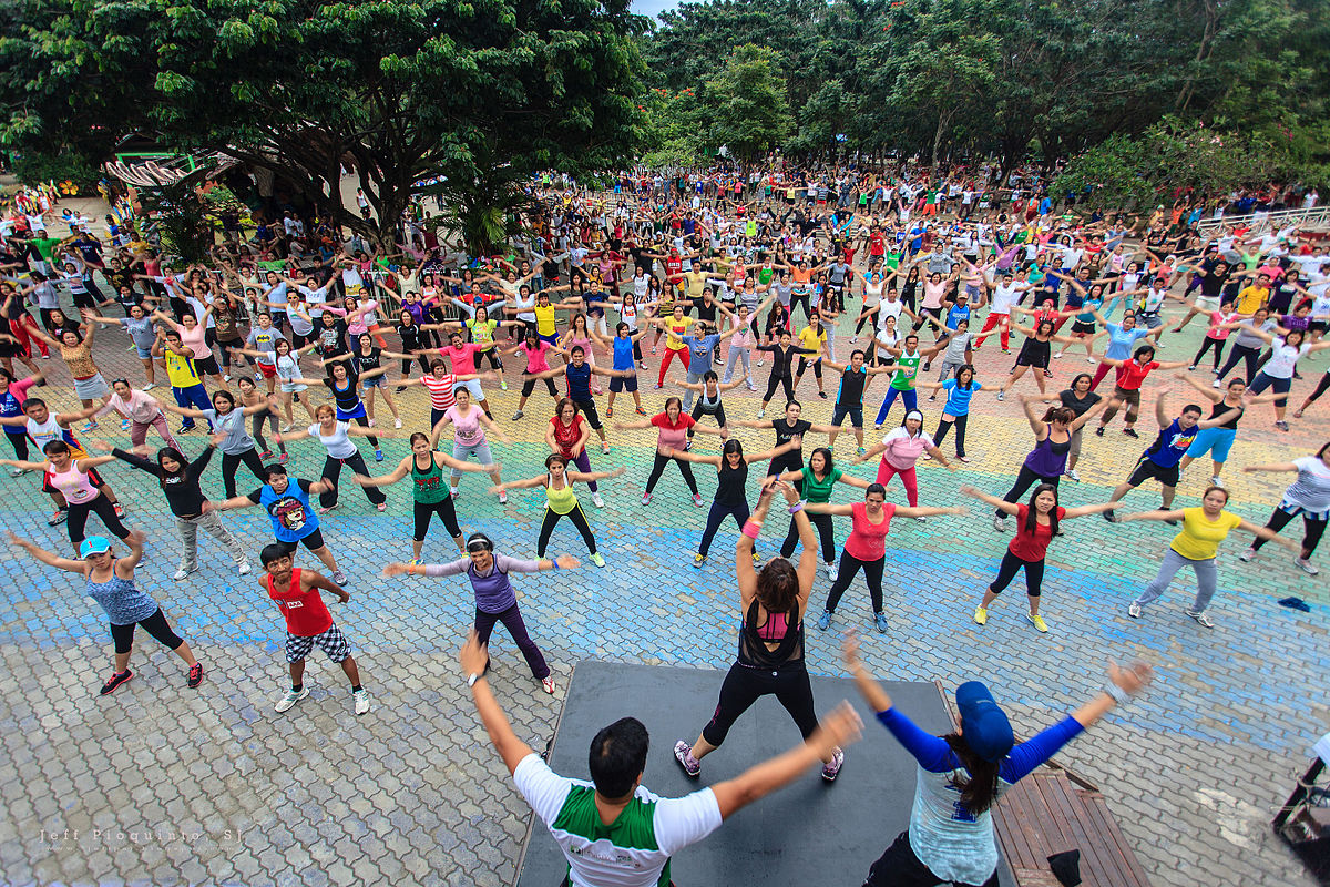 Ejerciciode - ¡Sentirse bien, hacer amigos y ponerse en forma! ¡Zumba, clases de ejercicios, correr La Roca, yoga y mucho más!