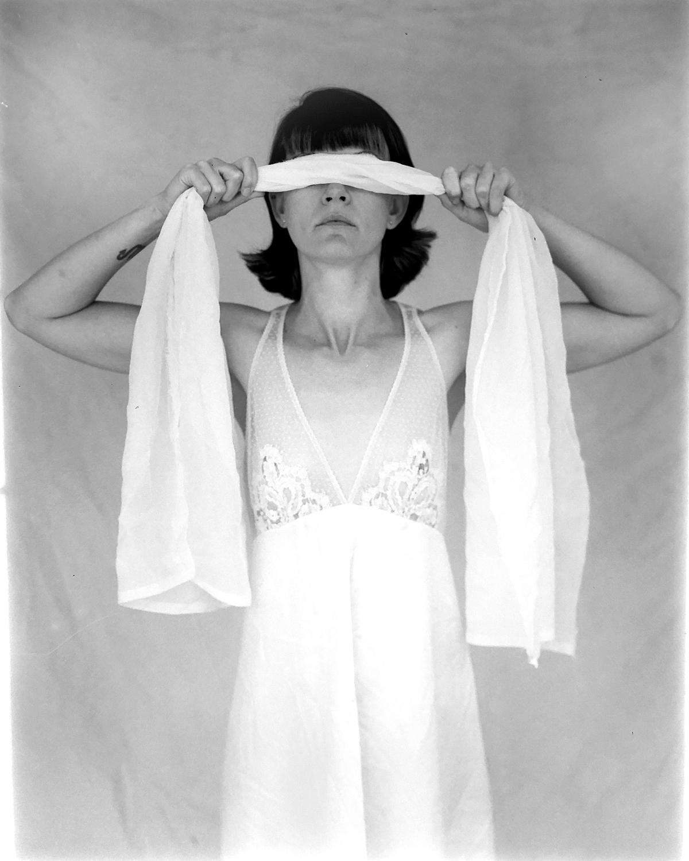 AmandaD-blindfold2.jpg
