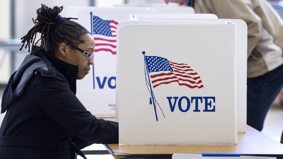 woman-voting.jpg