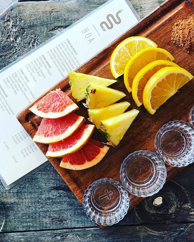 A little mezcal and citrus to brighten up your Monday. . #mezcal #mezcalitos #mezcalmonday #mezcalbar #shootit #sipit #mixit #comeandgetit #mezcalonthebeach #mezcalontherocks #mezcalvacation #lovemesomemezcal #boatulum #boabeachtulum #boabeachclub #tulum #visittulum #tulummexico #thebeachplanner