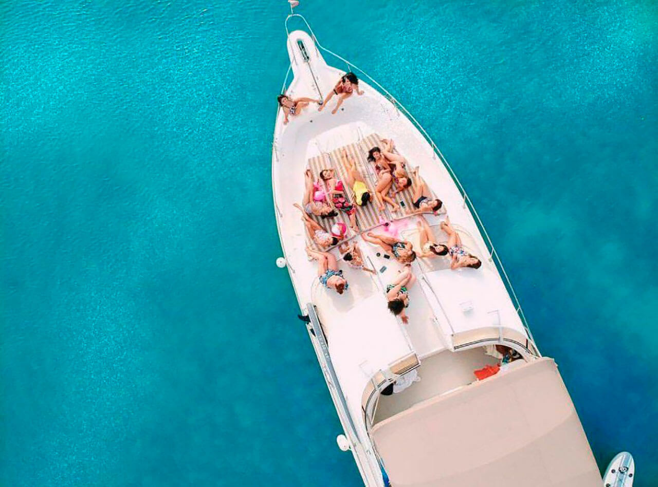 yacht-charter-13.jpg