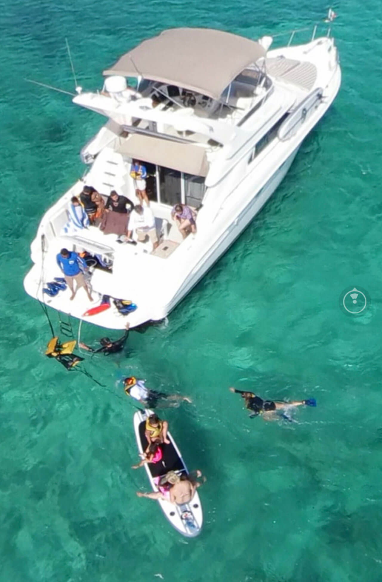 yacht-charter-12.jpg
