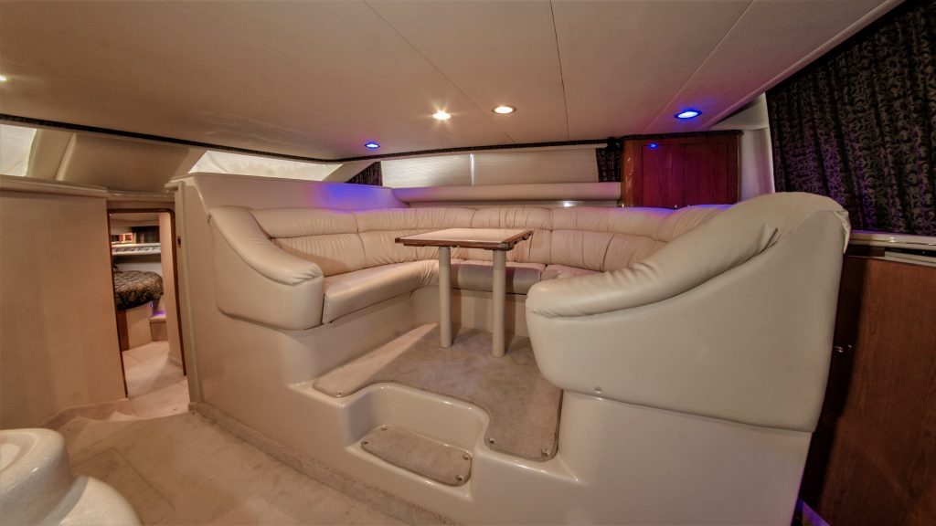 yacht-charter-17.jpg