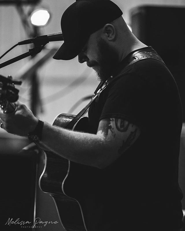 Friday: Fatboyz Garden City MO 9 pm Saturday: Private Event Sunday: @fjsaloon Parkville MO 8pm (opening for @joshcardmusic ) 📷: @melissapaynephotography