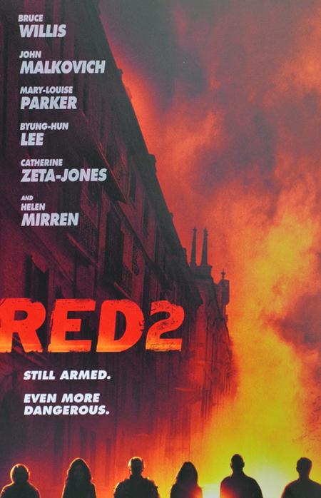 "Teaser Poster de ""RED 2"""