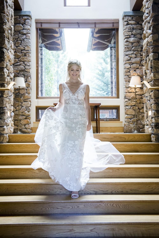 bridalparty_elegant_reception_dancing_trailcreek-024.jpg