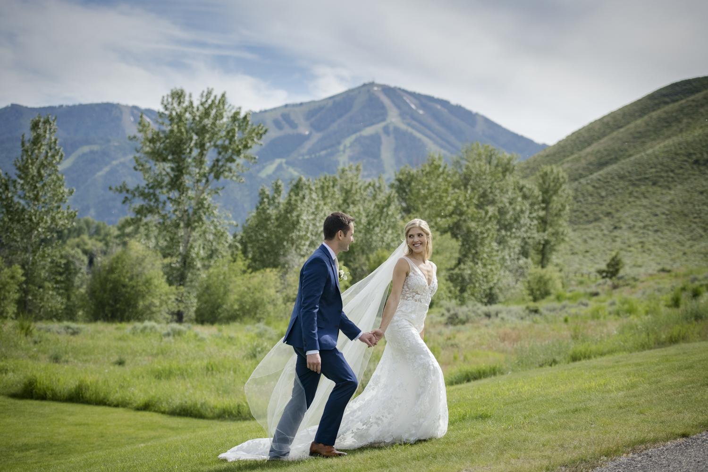 bridalparty_elegant_reception_dancing_trailcreek-051.jpg