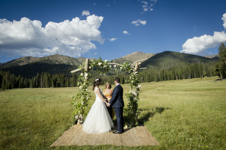 galena_mountains_vows_wedding-senatemeadows-044.jpg