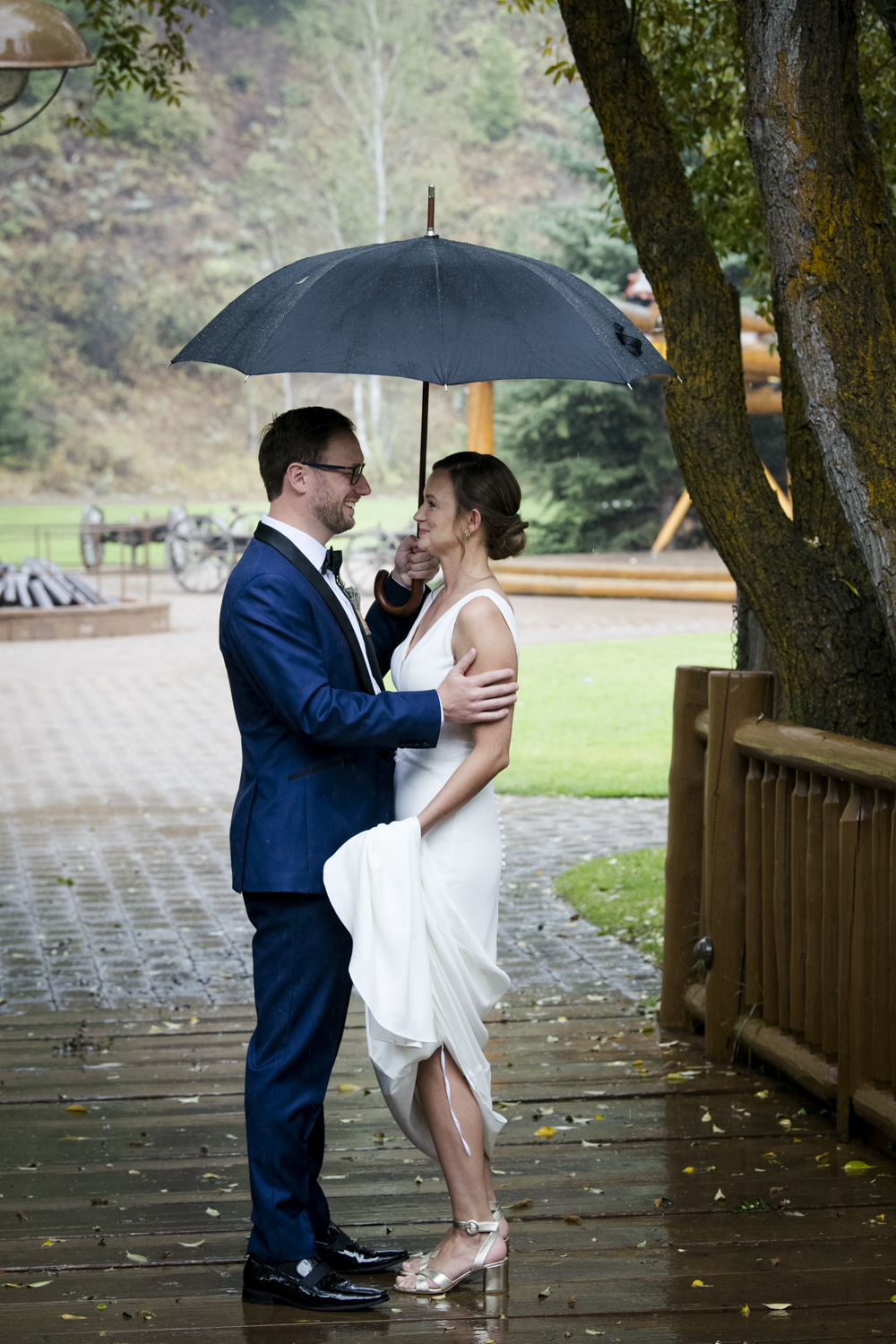 trailcreek_rainy_wedding-018.jpg