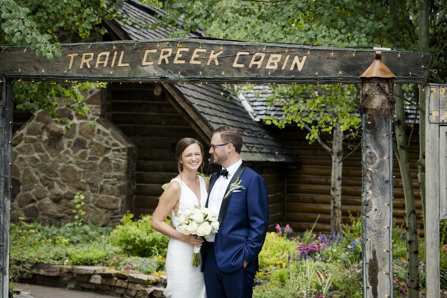 trailcreek_rainy_wedding-020.jpg