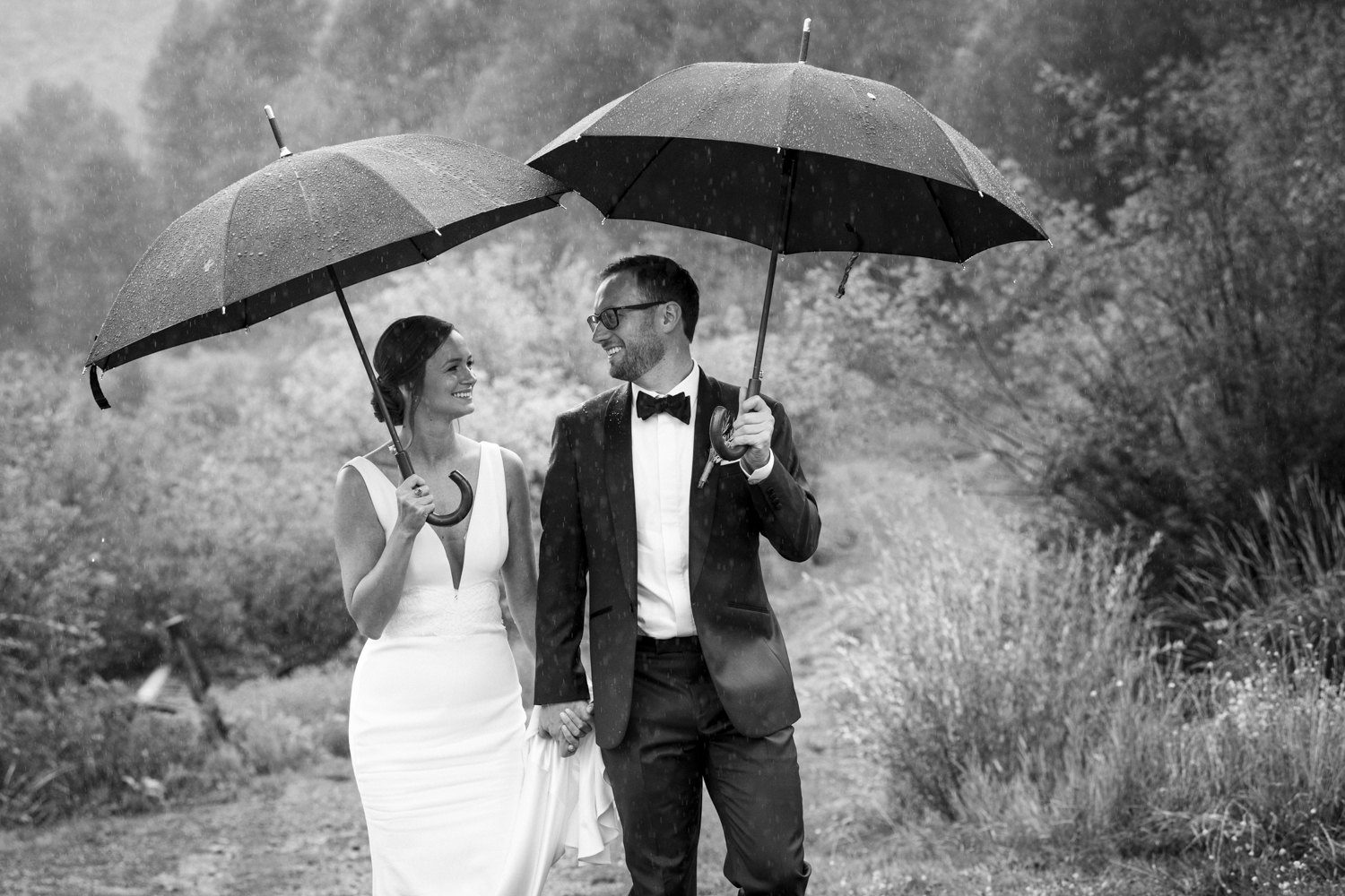 trailcreek_rainy_wedding-023.jpg