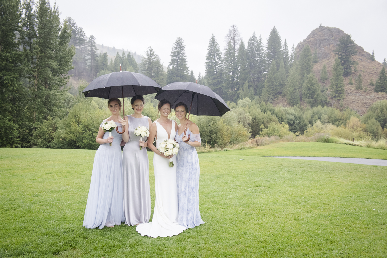 trailcreek_rainy_wedding-028.jpg
