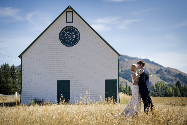 eclectic-highend-classic-romantic-wedding-019.jpg