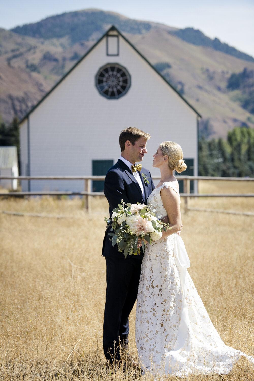eclectic-highend-classic-romantic-wedding-023.jpg