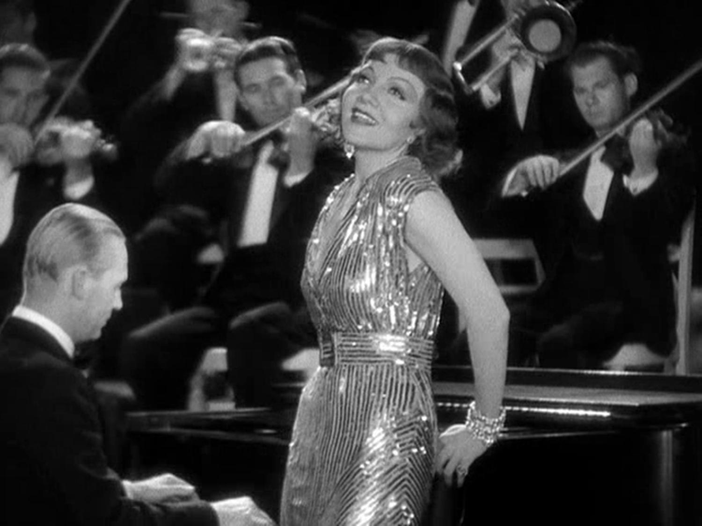 """Claudette Colbert en un fotograma de """"Sinfonías del corazón"""" (1933)"""