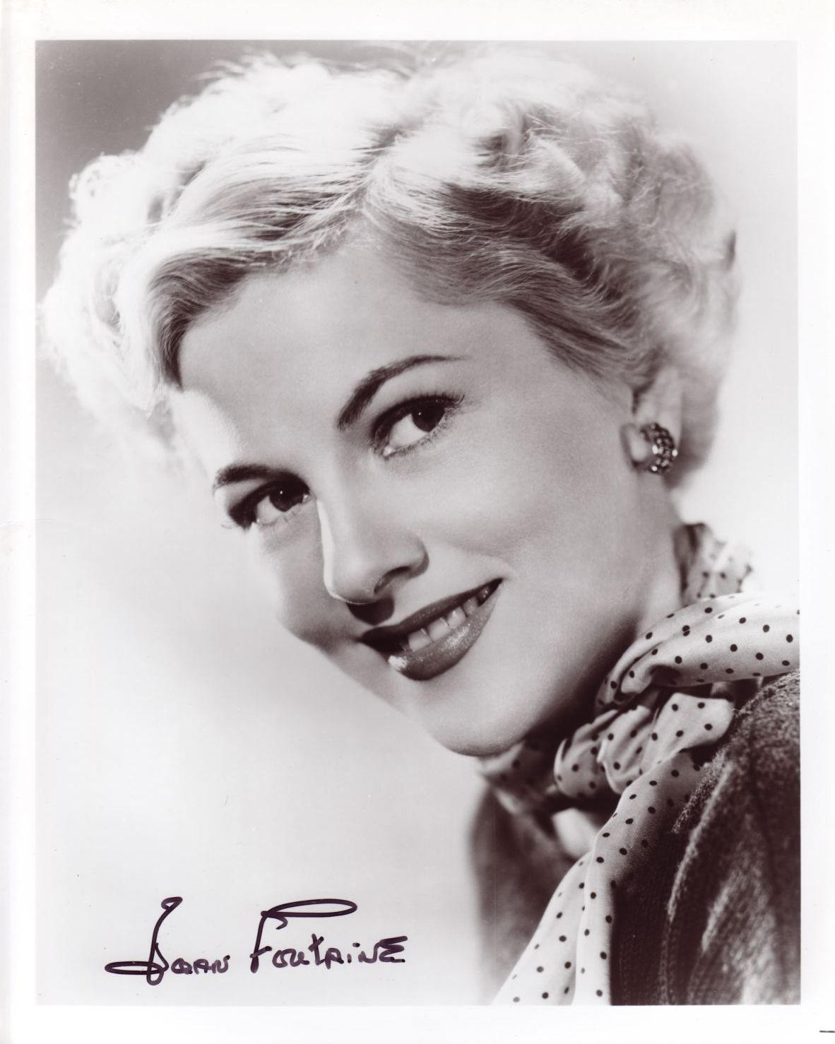 Joan Fontaine 2.jpg