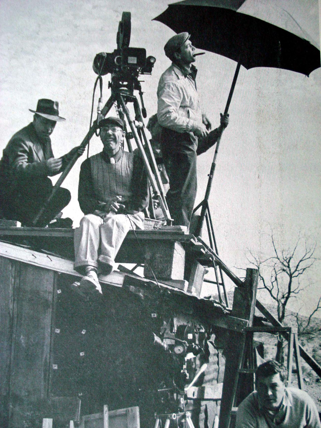 Herbert Biberman dirigiendo el rodaje de  Sal de la tierra (1954)