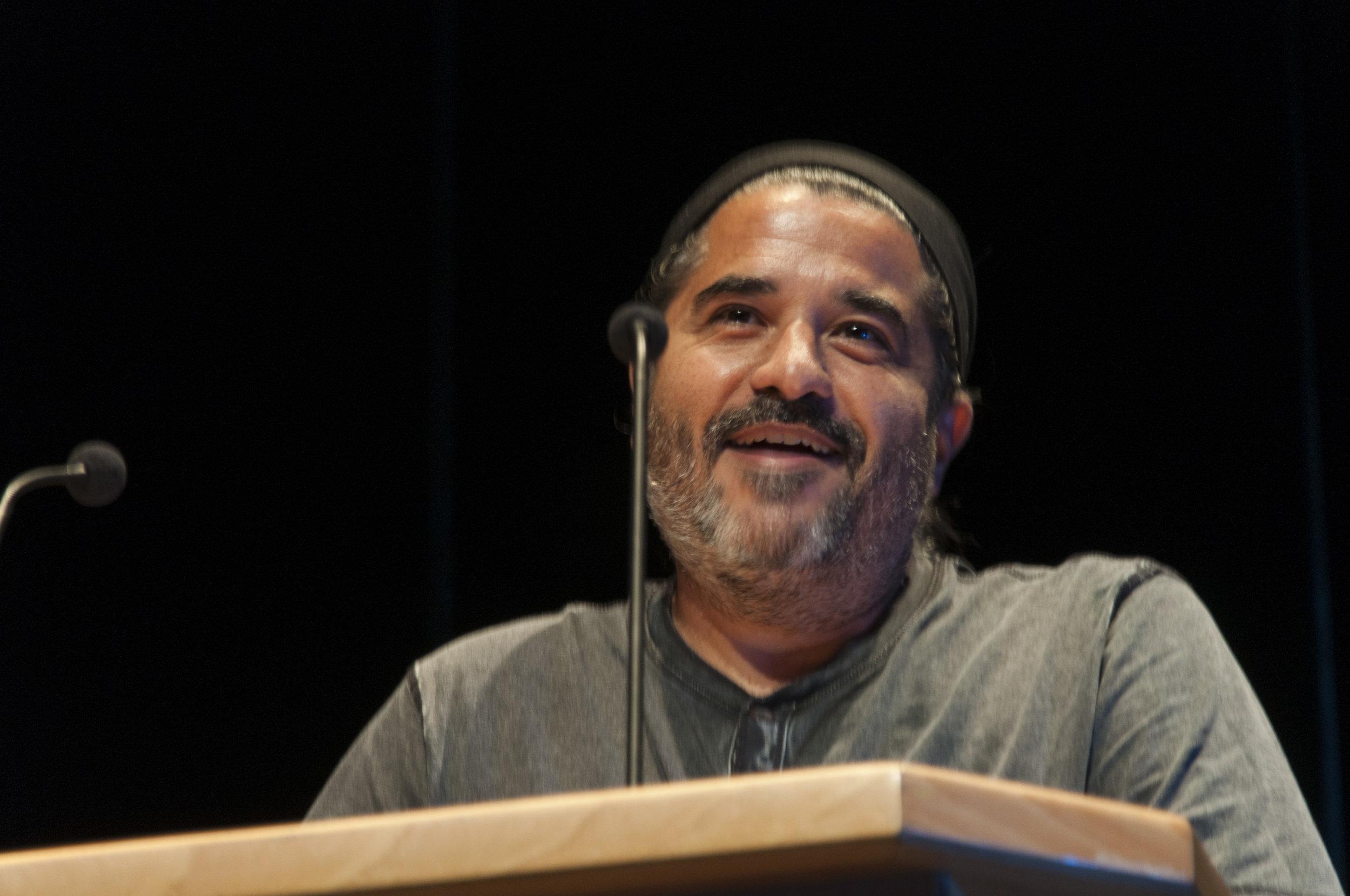 Manolo Dauta Rijo, tras recibir el 2º premio de Visionaria 2019 por 'Hormigonera'