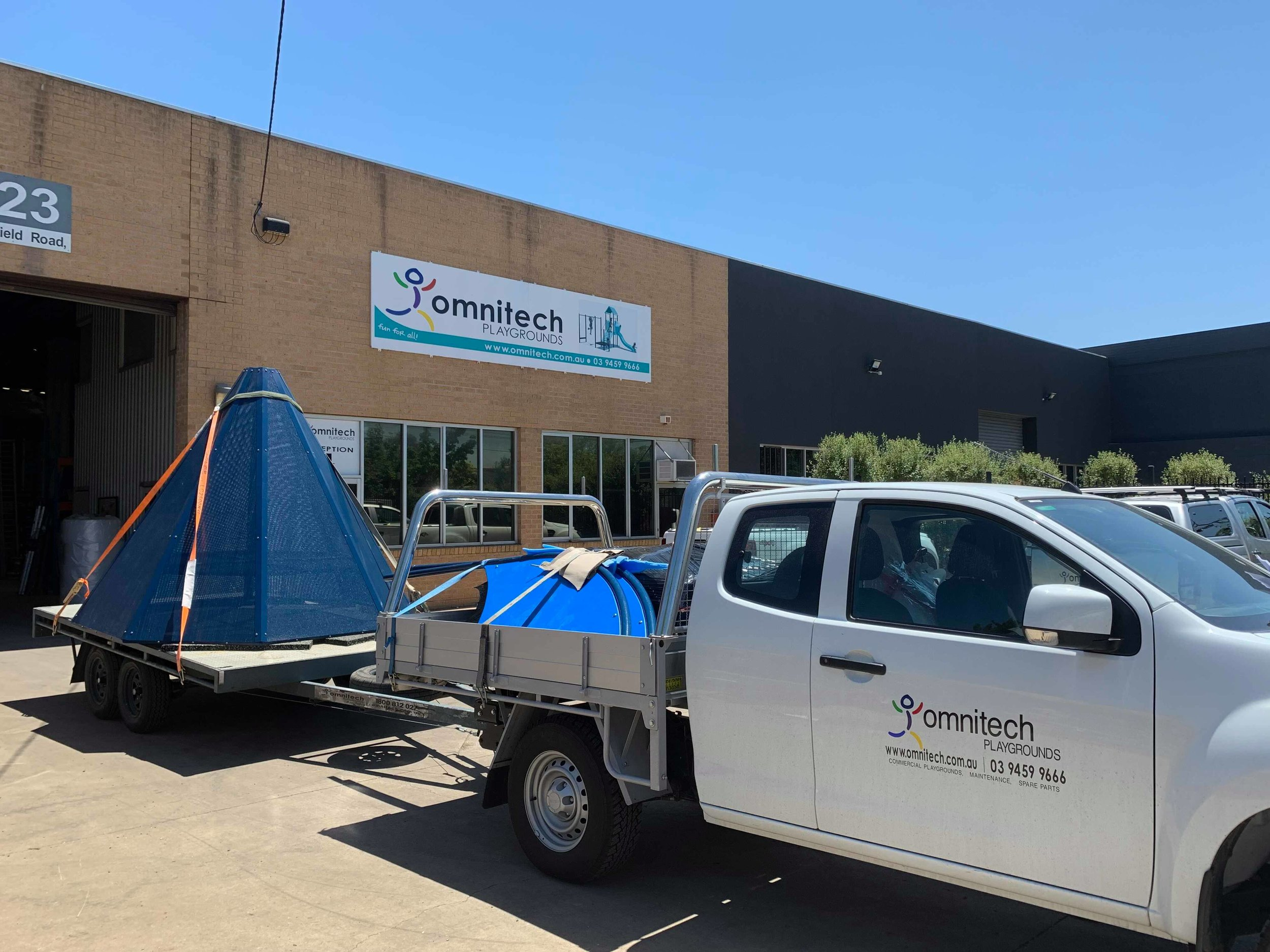 - Transporting all of the tooling and equipment to Broken Hill was a challenge