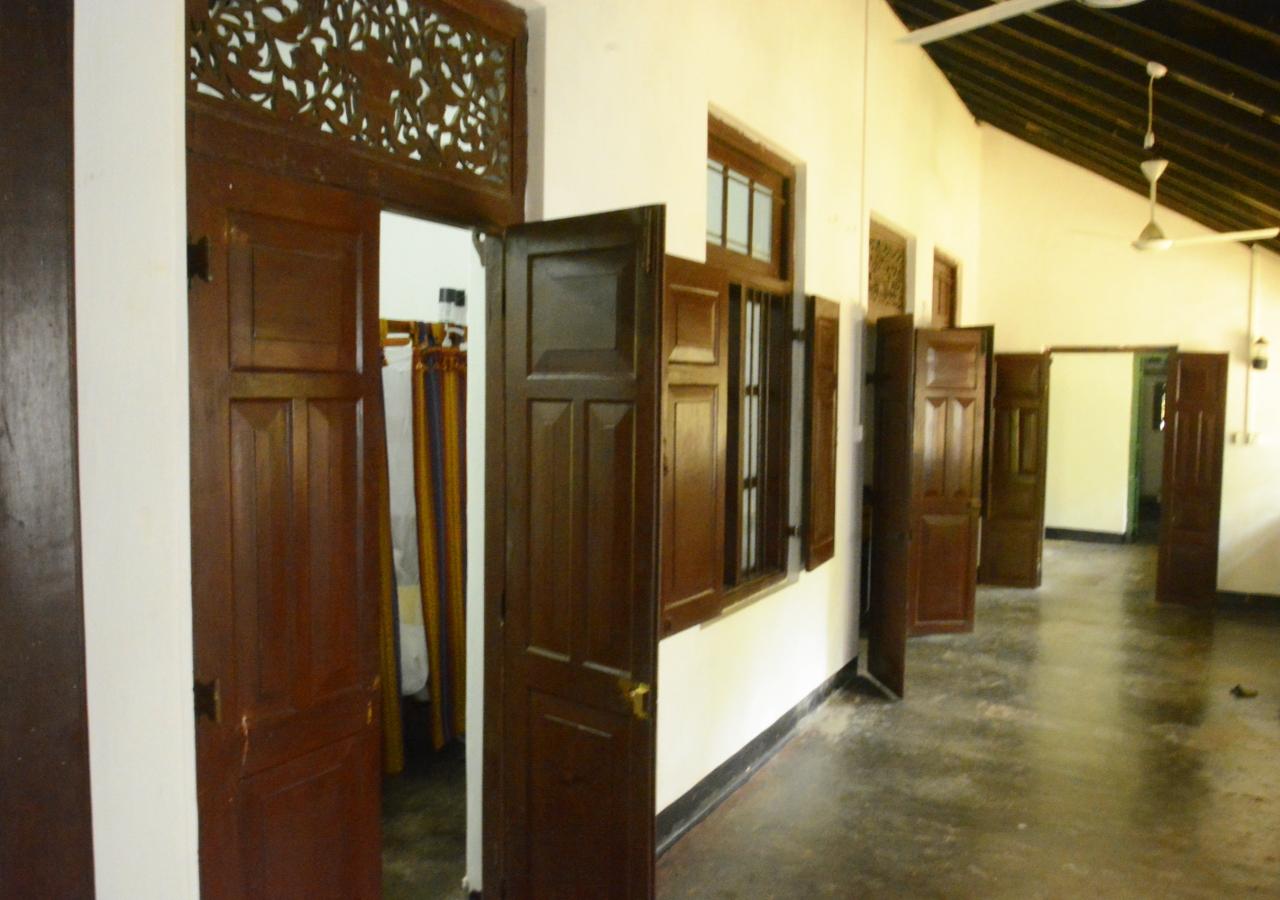 Ensuite Hallway