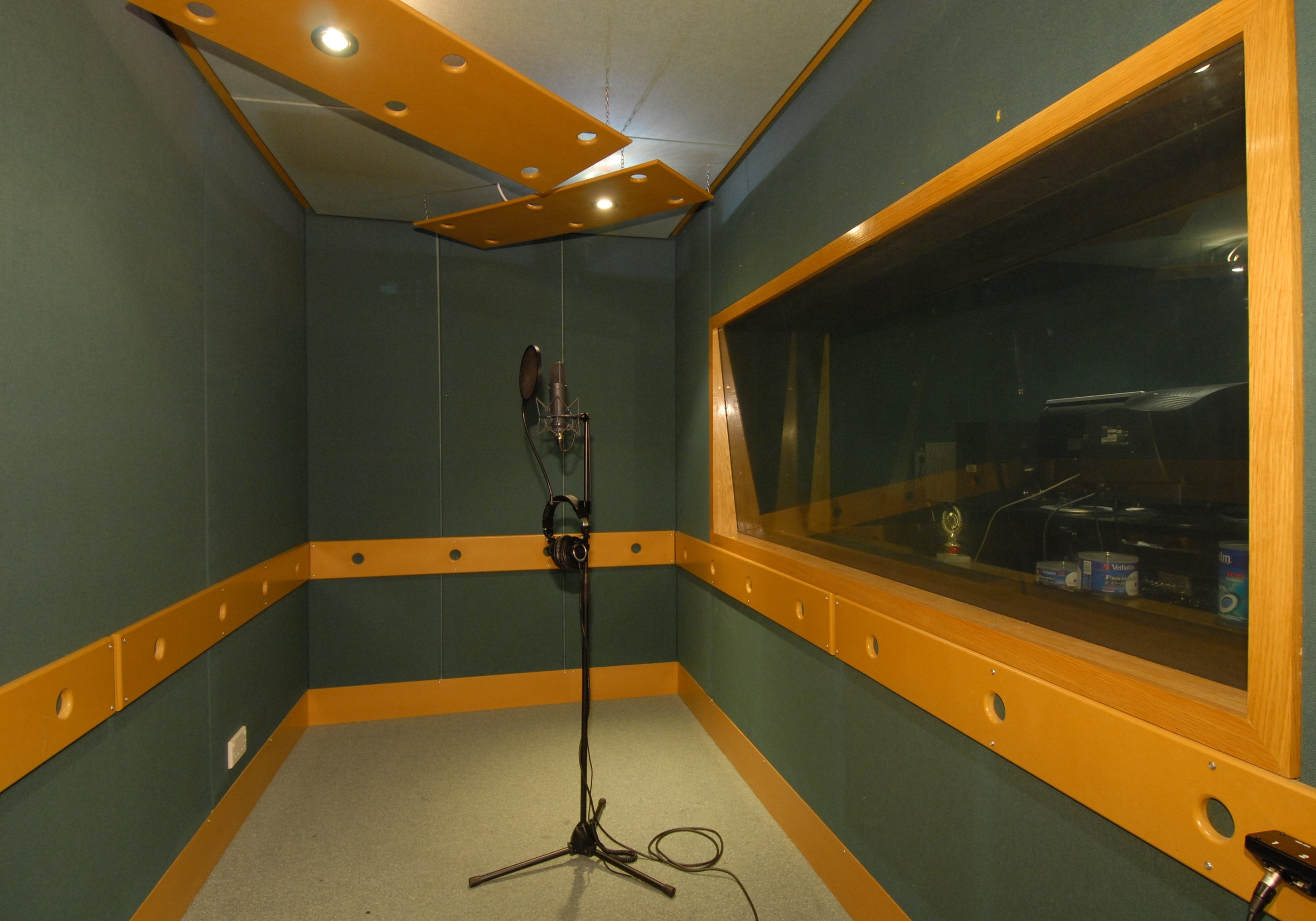 Studio 2 - Designed and built by KFA, production Suite 2 is an ideal mixing, programming, recording and production space. Includes a separate booth large enough for a drum kit. It is air conditioned (silent), sound proofed, tuned to 100hz, has quadruple glazing and is independently alarmed.Measurements: 3.6m wide by 4.8m long. Vocal booth: 3.6m wide by 1.8m long.