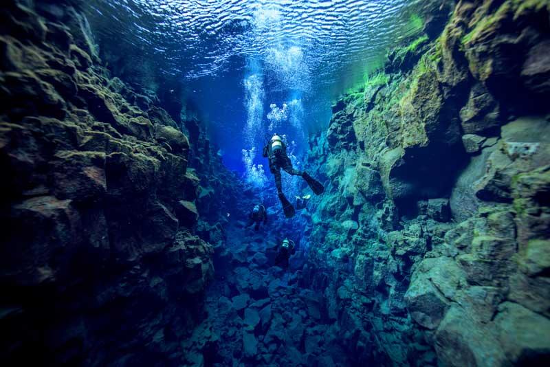 icelanddiving_299902601.jpg
