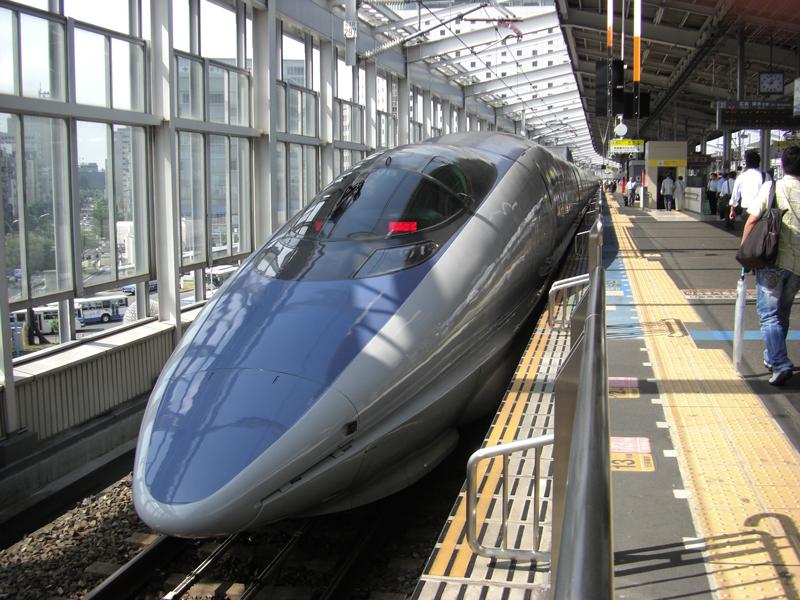 bullet-train-66091.jpg
