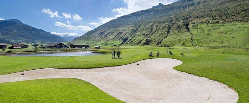 The-Chedi-Andermatt-SPECIAL_Tee-Off-in-Style-01.jpg