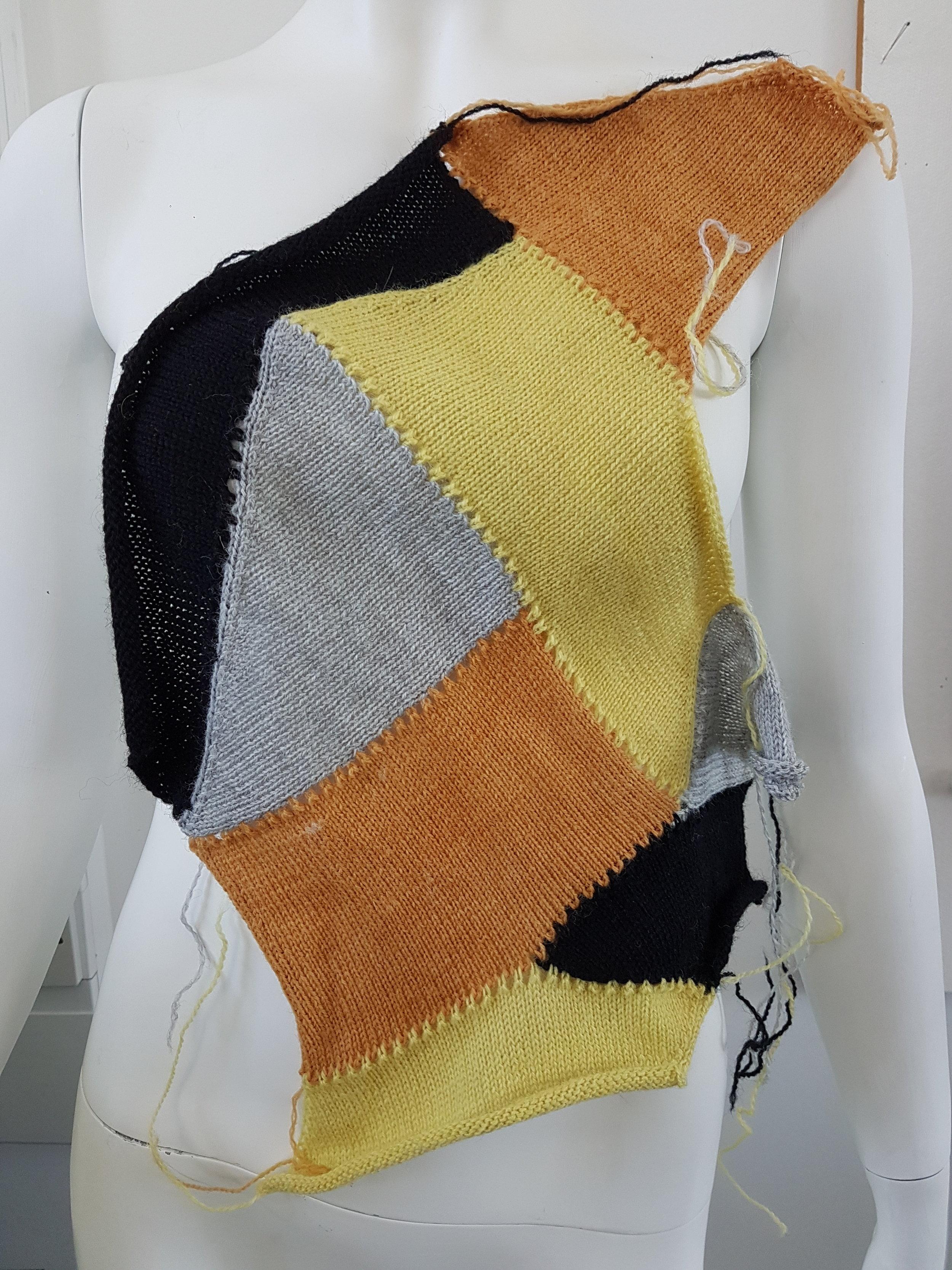 Burns, R. 2018. Modular Machine Knitting 3. Photograph.
