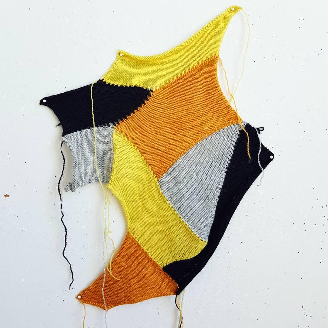 Burns, R. 2018.  Modular Machine Knitting 4 . Photograph.