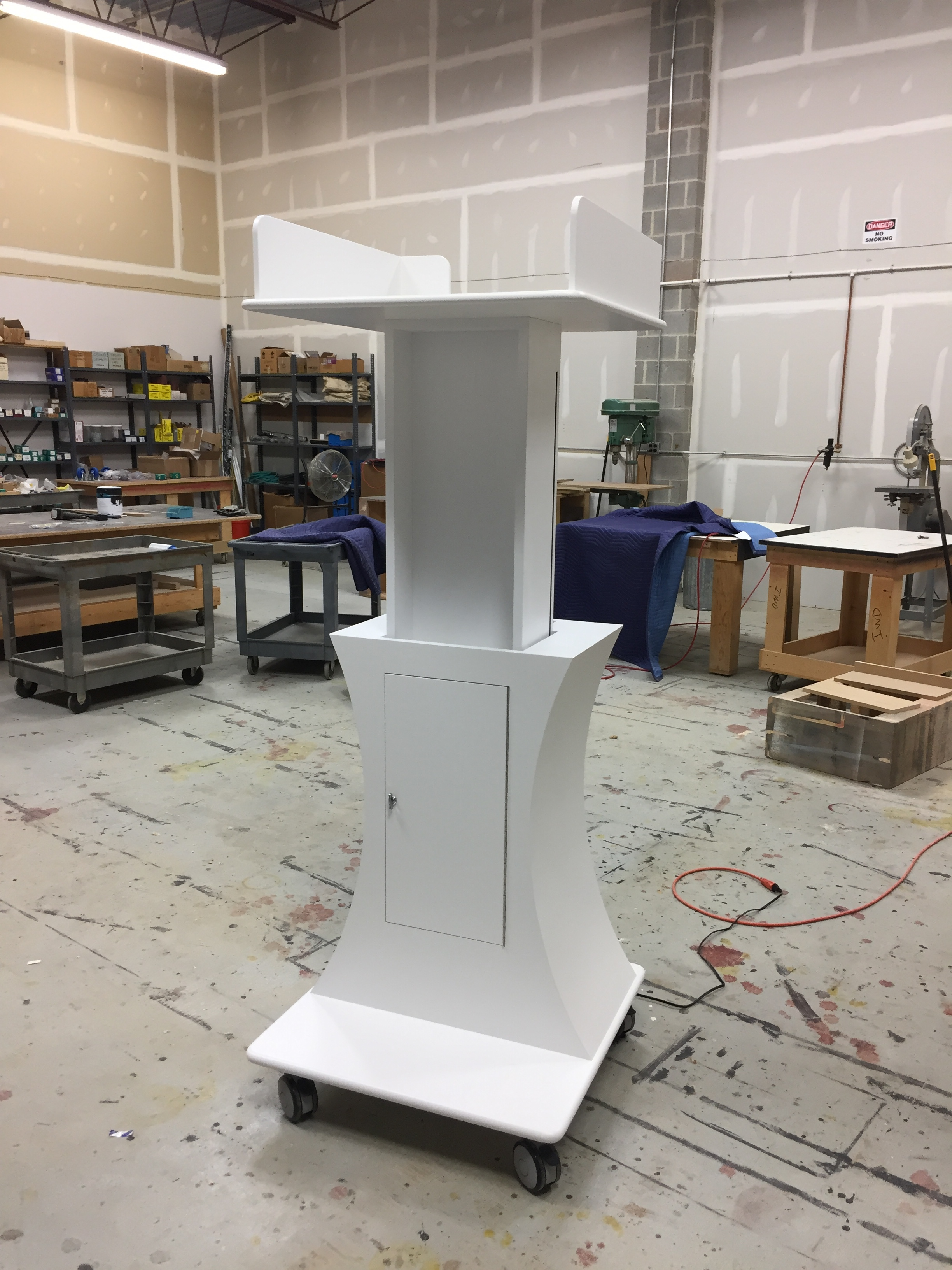 Mobile projector cart (up)