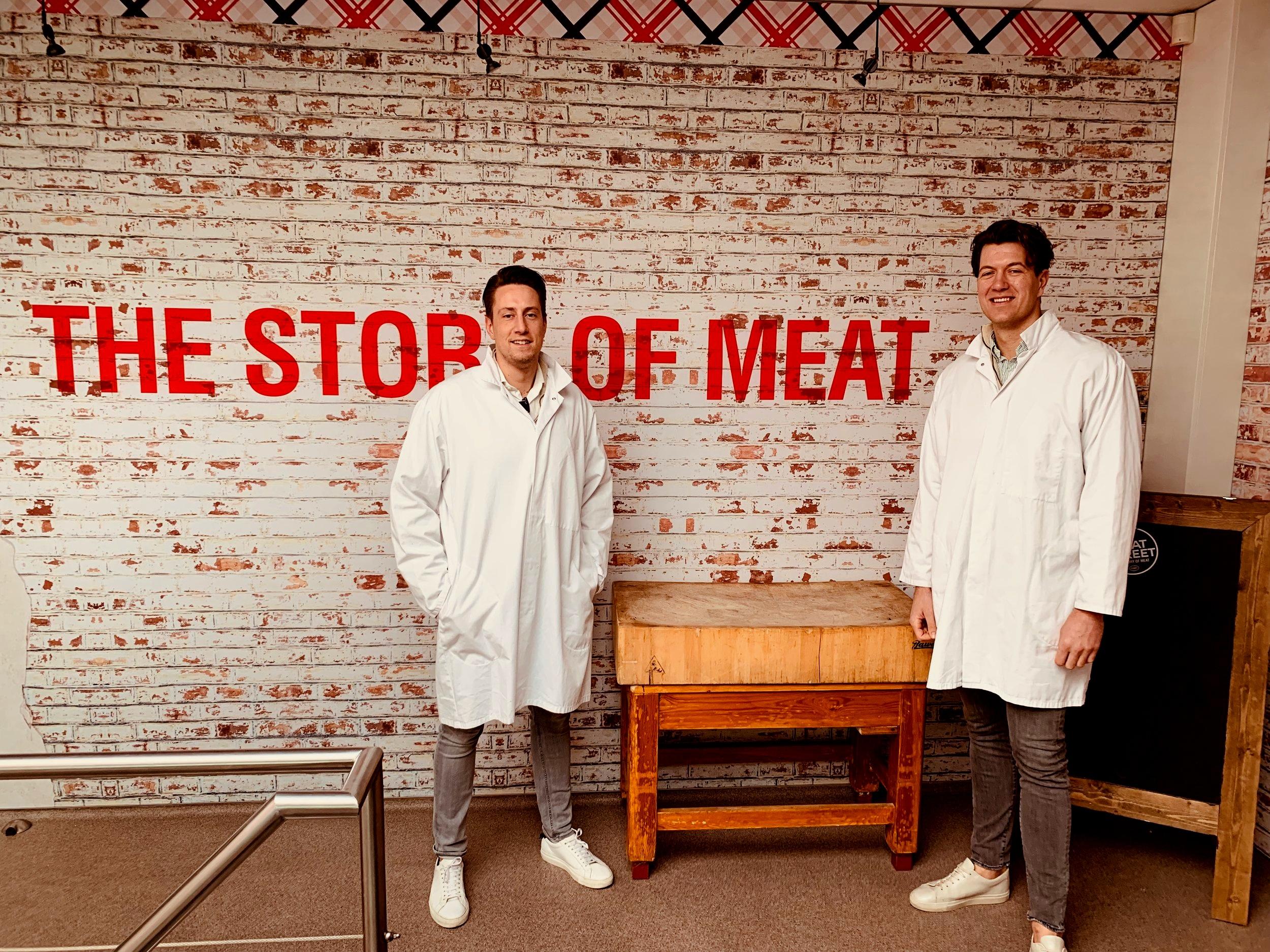Tim & Jan-Paul (The Real Gentlemen & co.) op bedrijfsbezoek bij de Slagerij.    'Een goed verhaal is de ingangseis om überhaupt te praten over een samenwerking.'