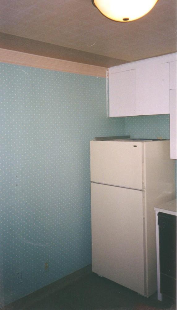 Kitchen Before 2004 01.jpg