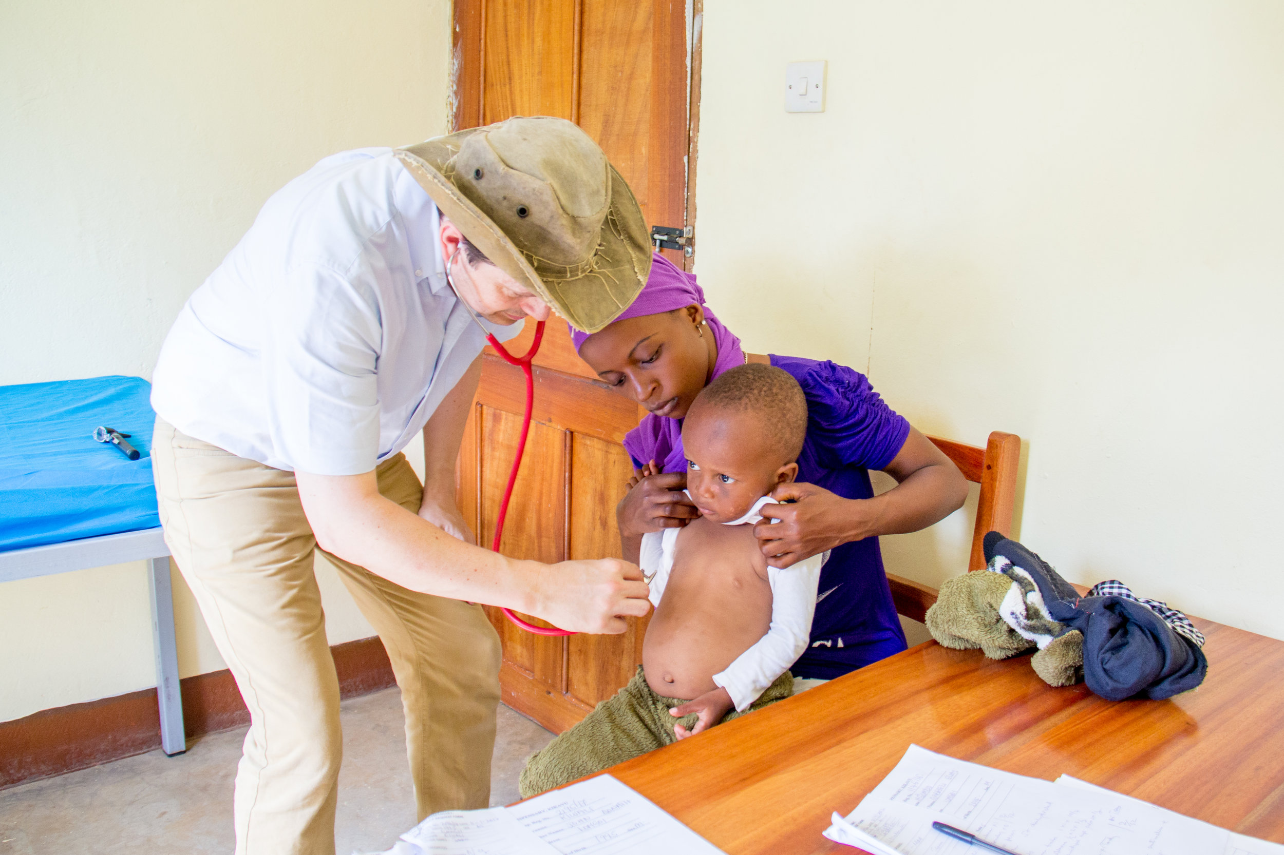 dr_julian_brown_kikavu_clinic