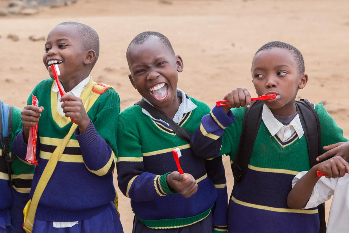 toothbrushing_and_smiles_in_kikavu