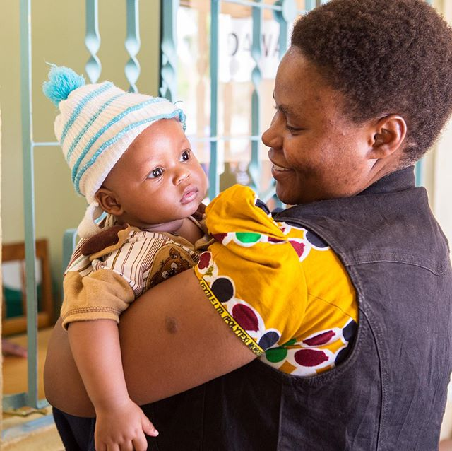 Our mother and child medical unit is nearly finished and we can't wait to share it with you!  The mother and child unit will provide pregnant mothers with a safe and healthy labour as well as treatments and healthcare to reduce maternal and infant mortality. 🤱🏾 • • • #healthamplifier #healthcare #motherandchild #Kikavu #Tanzania