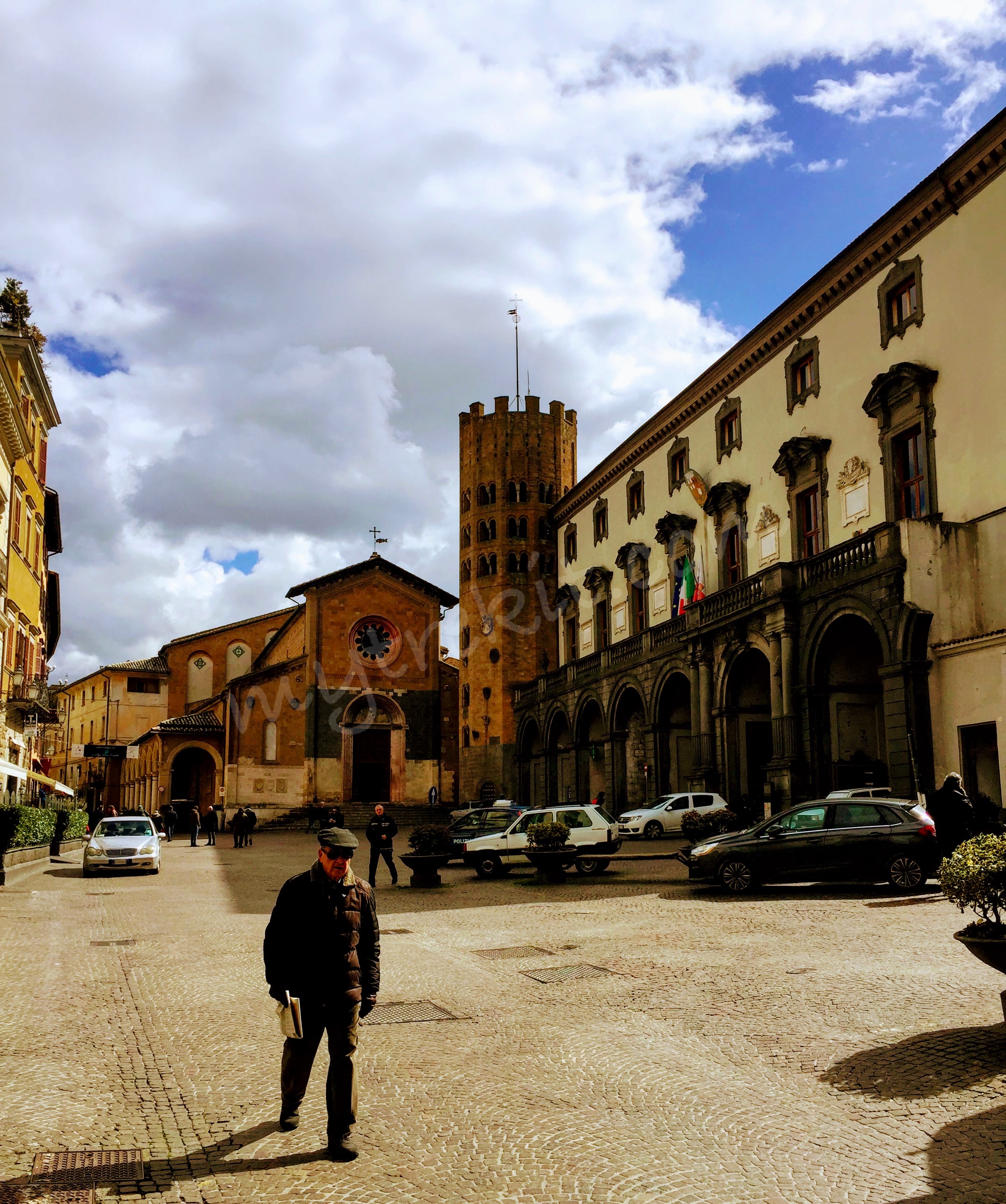 Orvieto's town hall on the right.
