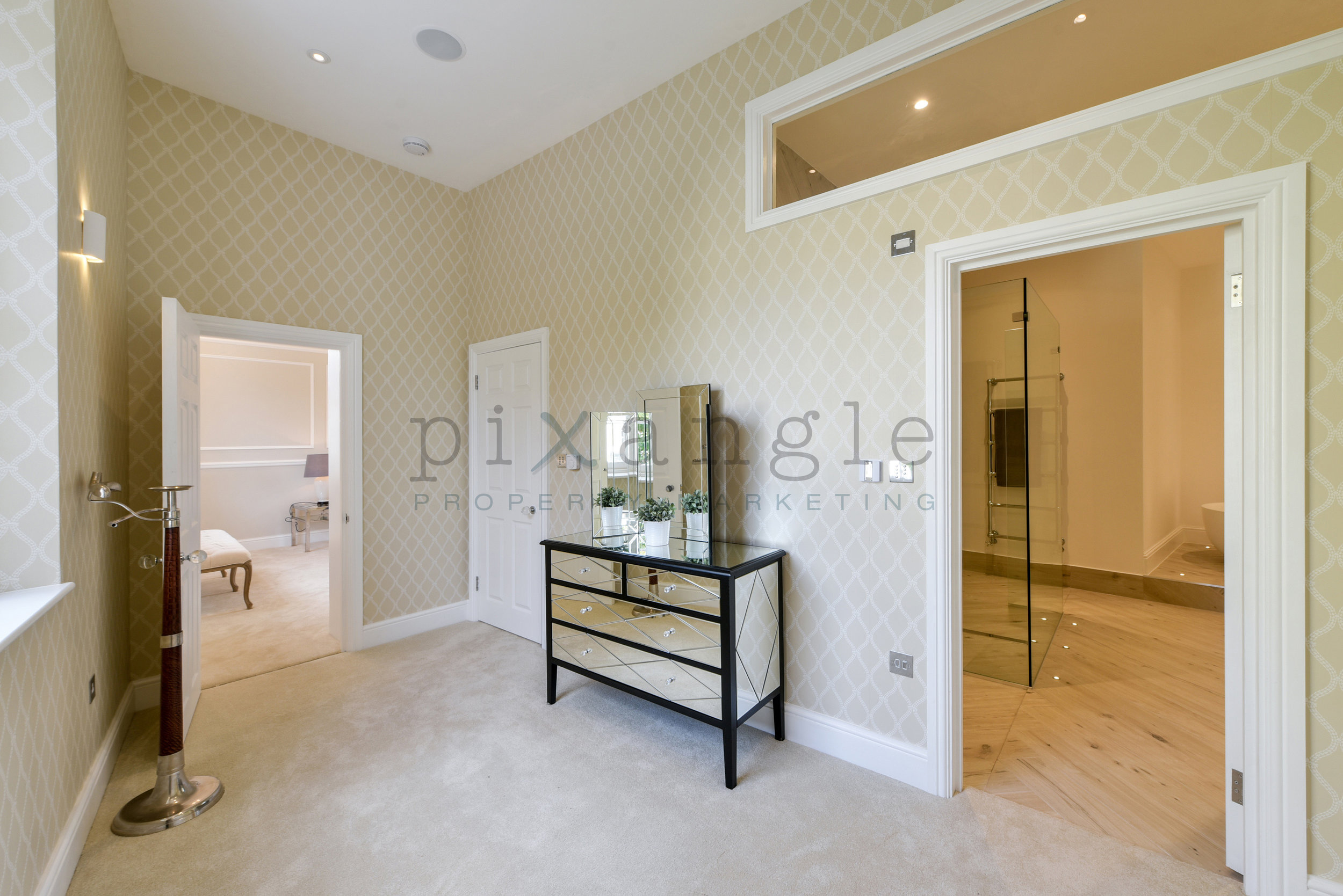 32a Crescent Grove ph5.jpg