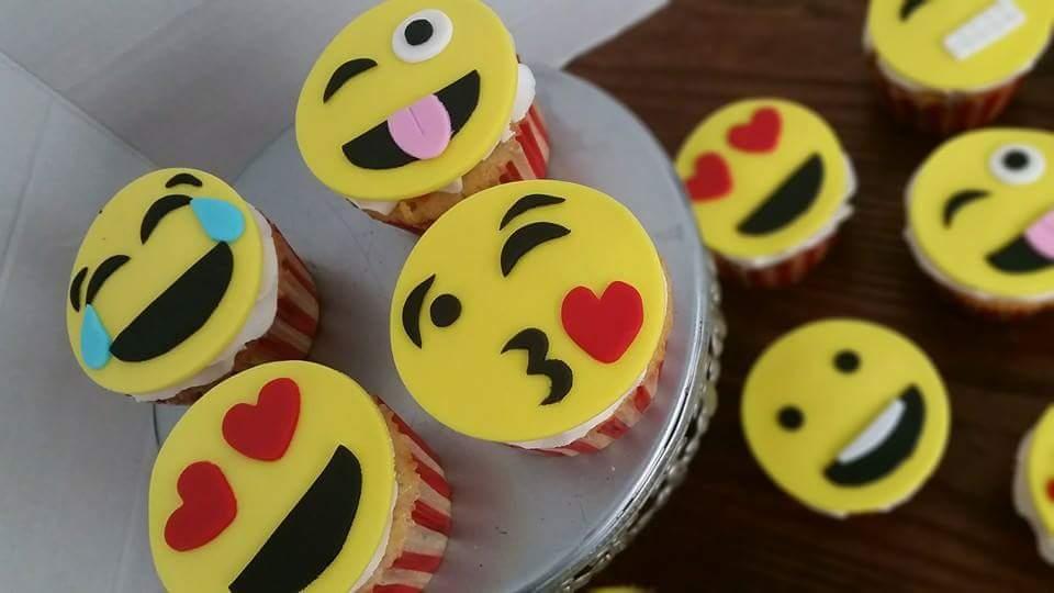 Emoji cupcakes